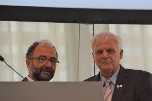 Ehrung von Ass. jur. Bernhard Kuntz durch den Vorsitzenden San.Rat Dr. Hans Joachim Lellig